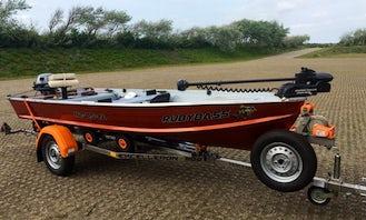 Enjoy Fishing in Belgium or Netherlands on the RubyBass : Mariner 14M Alu BassBoat
