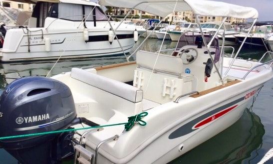 19' Selvia Center Console Rental In Mandelieu-la-napoule, France