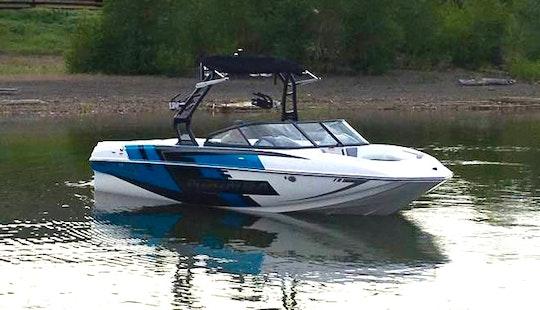 23' Moomba Mojo Super Air/surf Boat On Kampoos Lake, Bc