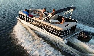 22' Sylvan Mirage Pontoon - 10 People Capacity on Kampoos Lake, BC