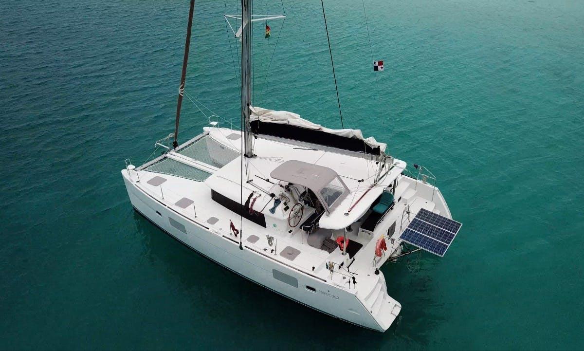Charter a 16 People Cruising Catamaran In Cartagena, Colombia