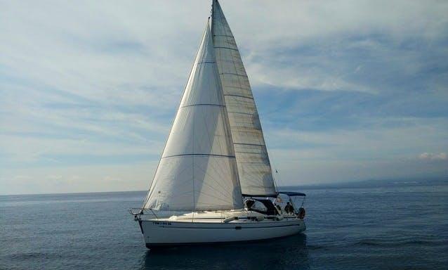 Charter 30' Bavaria Cruiser Cruising Monohull in Vigo, Spain