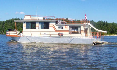 48' Houseboat  Rental In Lake of the Woods, Canada