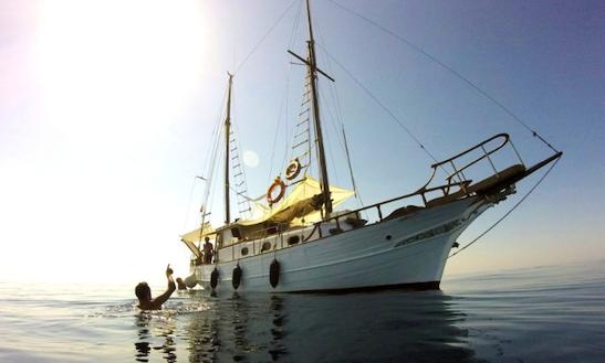 Charter 43' La Nuovla Schooner In Leuca, Italy