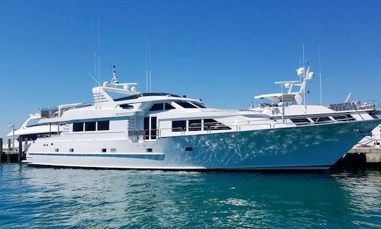 Power Mega Yacht Sleep Aboard Rental In Chicago