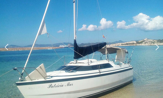 Rent 26' Mac Gregor Cruising Monohull In La Savina, Spain