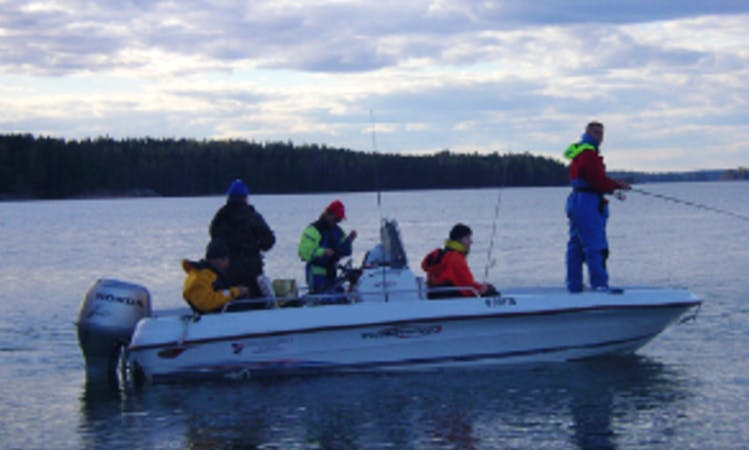 Center Console fishing charter in Helsinki