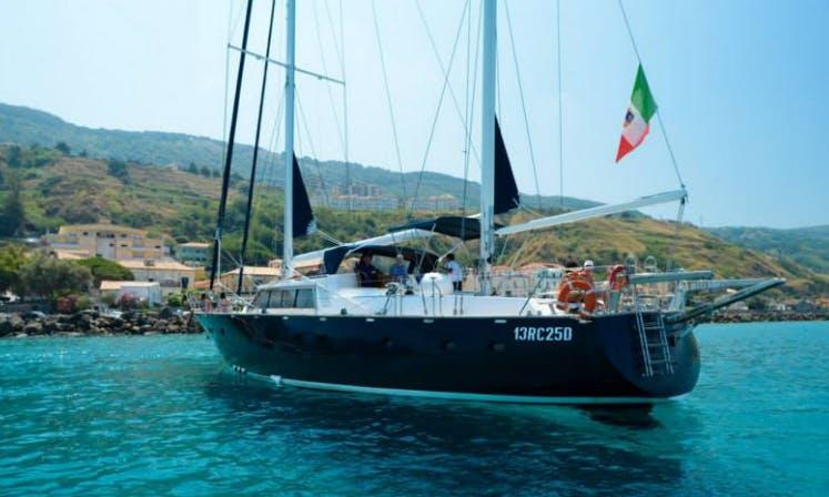 Charter Benetti 20 Cruising Monohull in Messina, Italy