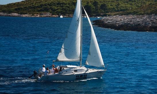 Charter 26' Cruising Monohull In Milna, Croatia