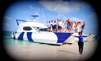 CATAMARAN VIP PARTY BOAT-SNORKED-NATURAL POOL EVERYTHING INCLUDED