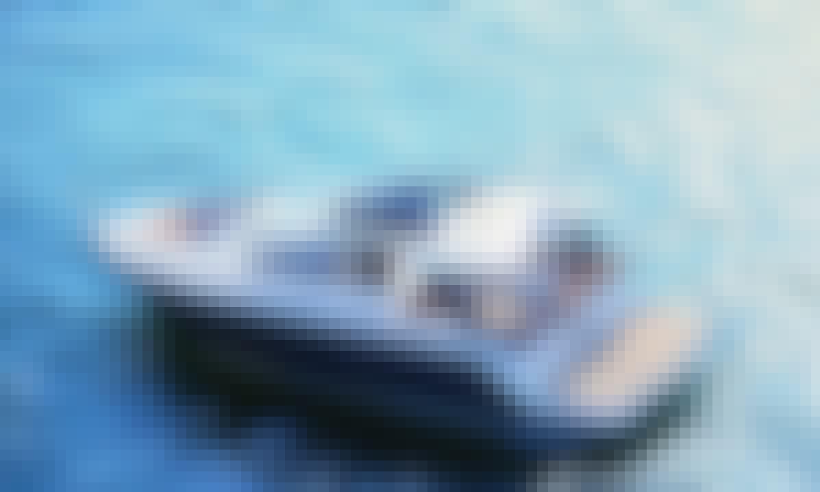 Charter 46' Sealine S450 Motor Yacht in El Toro, Spain
