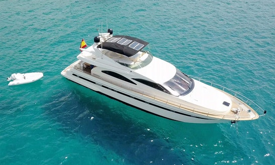 Charter Astondoa 72glx Flybridge - Fibonacci Motor Yacht In Portocolom, Spain