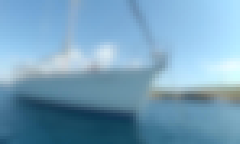 Charter 44' Boquilla Bavaria Cruising Monohull in Valenciana, Spain
