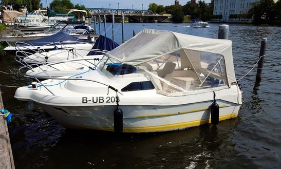 Rent 15ft 'quickie' Deck Boat In Berlin, Germany