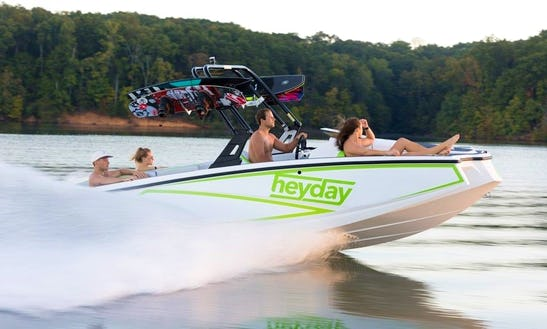 Pontoons, Runabouts, Wakeboard Boats & Waverunners At Skiatook Lake!