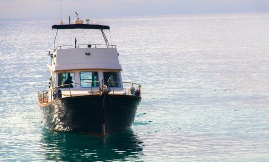 Charter 45' Myabca Motor Yacht In Andratx, Spain
