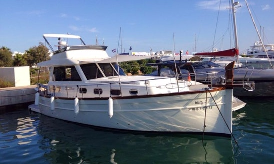 Charter 46' Menorquin Fly Motor Yacht In Balears, Spain