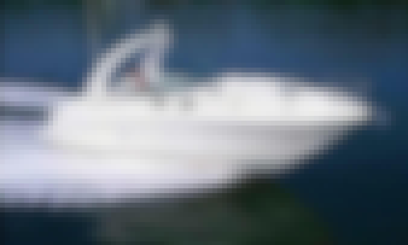 Sea Ray 335 - Motor Yacht rental in Podstrana for island hopping in Croatia