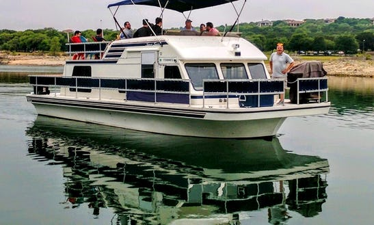 Chartered Yacht Rental In Austin