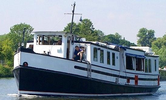 Explore Reading, England On Passenger Boat For 46 Passengers