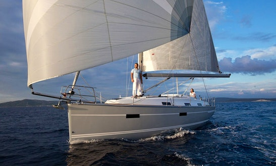 Charter This 8 People Bavaria 36 - Las Sirenas Sailboat In Maó, Spain
