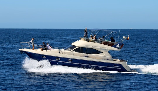 Motor Yacht Rental In Tarifa