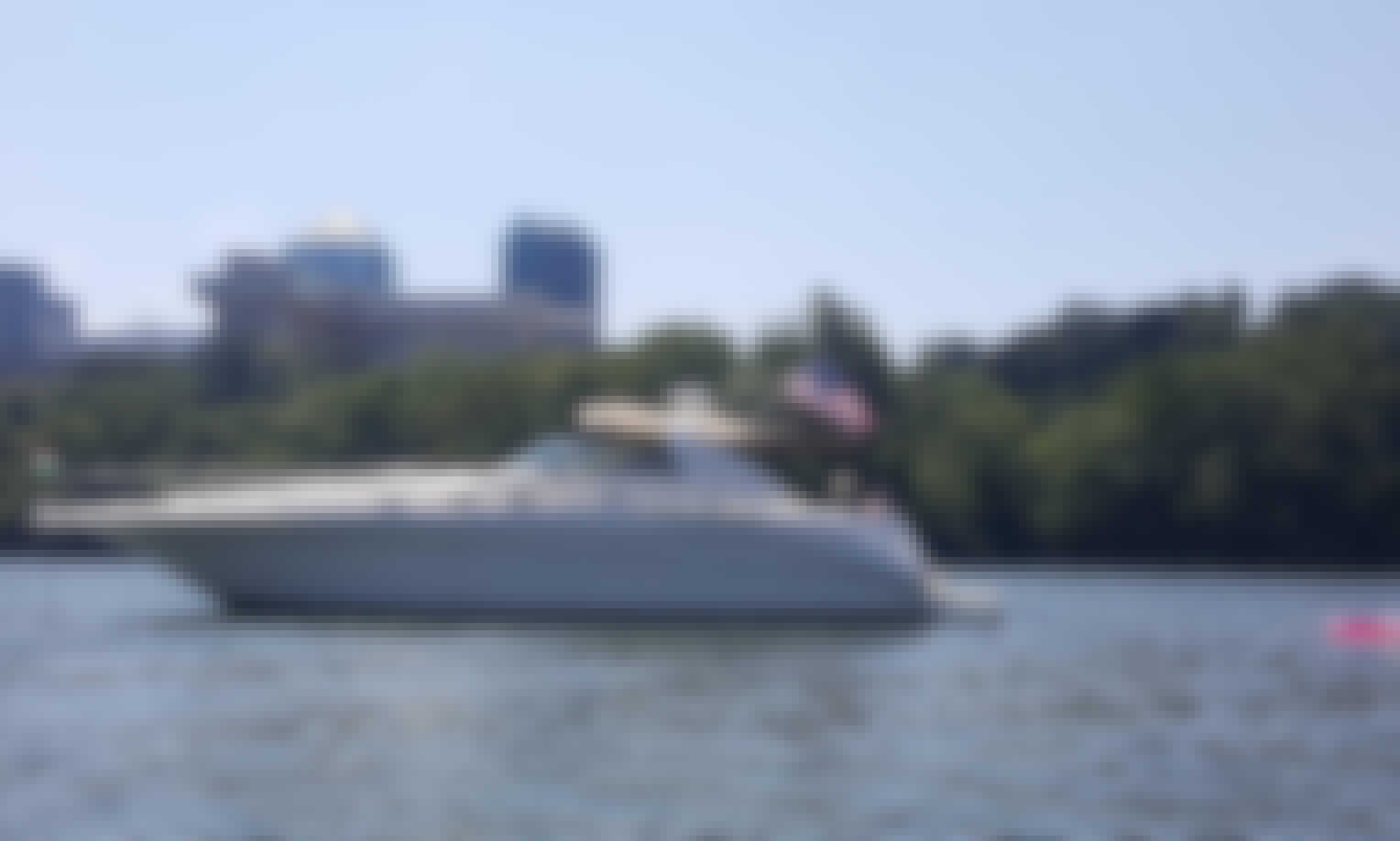 45' Motor Yacht Washington DC - 6 people max per USCG Laws