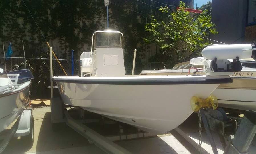 Spend your Tampa Fishing Charter on 22ft Pathfinder Center Console