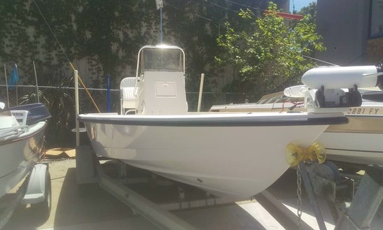 Spend Your Tampa Fishing Charter On 18ft Hewes Redfisher Center Console
