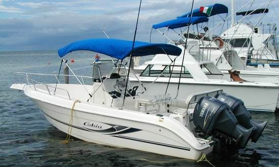 Enjoy Fishing And Snorkeling On 25' Cobia Center Console In Cancún, Mexico