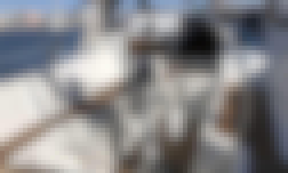 37ft Cruising Monohull Rental in Eivissa, Spain for 8 person