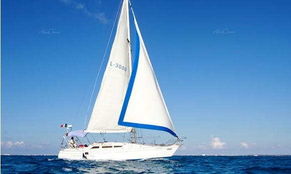 Charter This 12 Persons 40' Oceanic Sail Boat in Cancún, Mexico Perfect For Special Ocassions