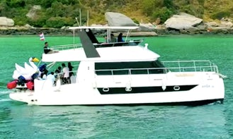43' Power Catamaran rental in Pattaya Thailand