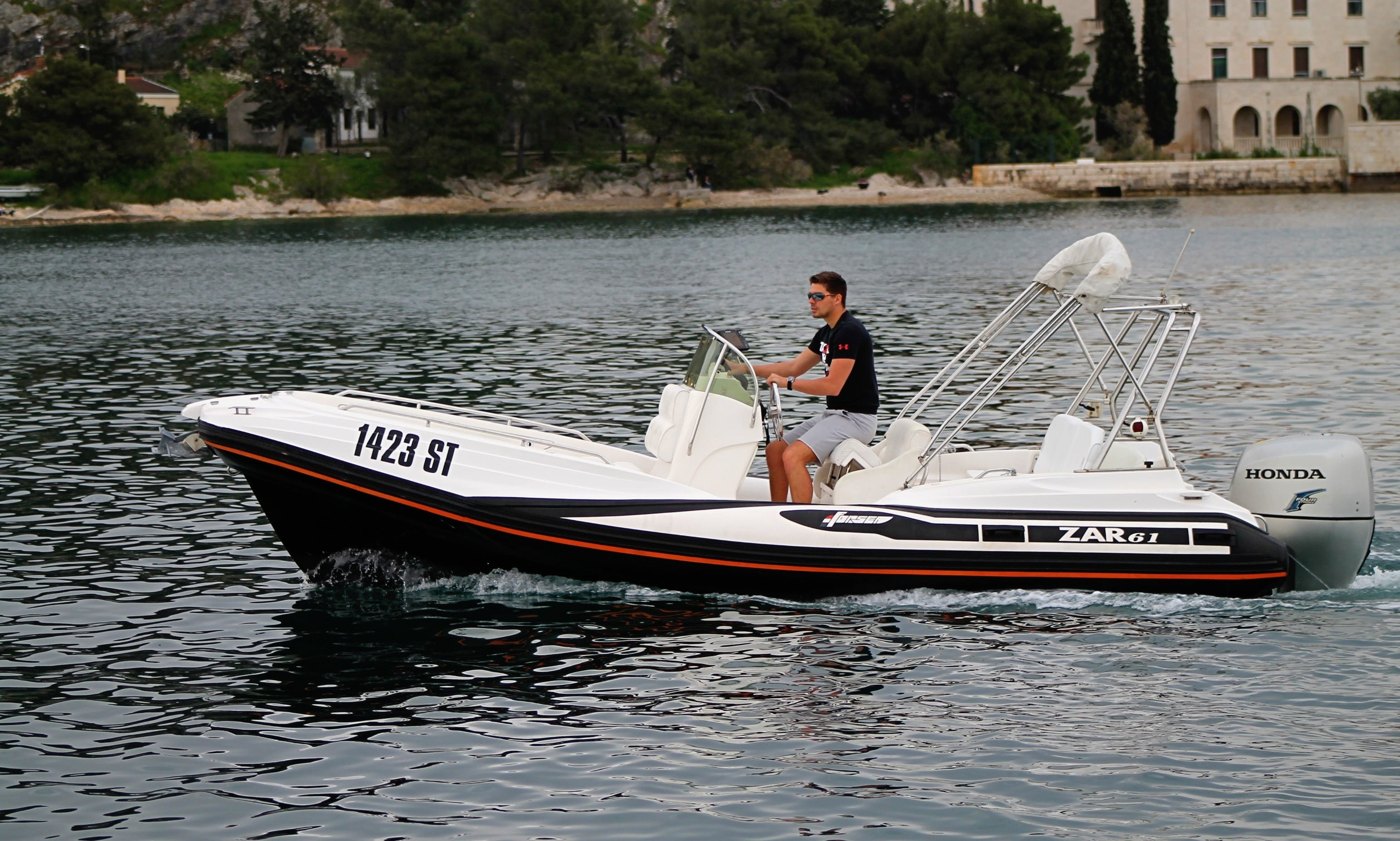 Cruise Comfortably with ZAR 61 Inflatable Boat in Split, Croatia