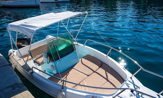 Motor Yacht Rental In Šibenik