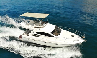 Azimut 39 Fly Luxury Yacht for 11 People Ready to Cruise in Marbella, Spain