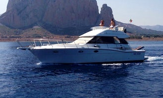 2005 Uniesse 40 Yacht Rental in Trapani, Italy