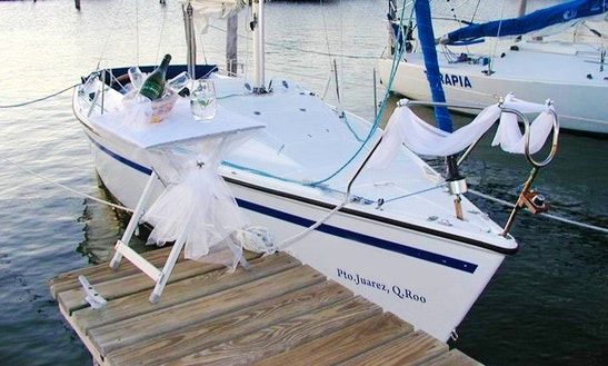 Listen To The Sounds Of The Wind And The Ocean In Cancún, Mexico On Sailing Boat