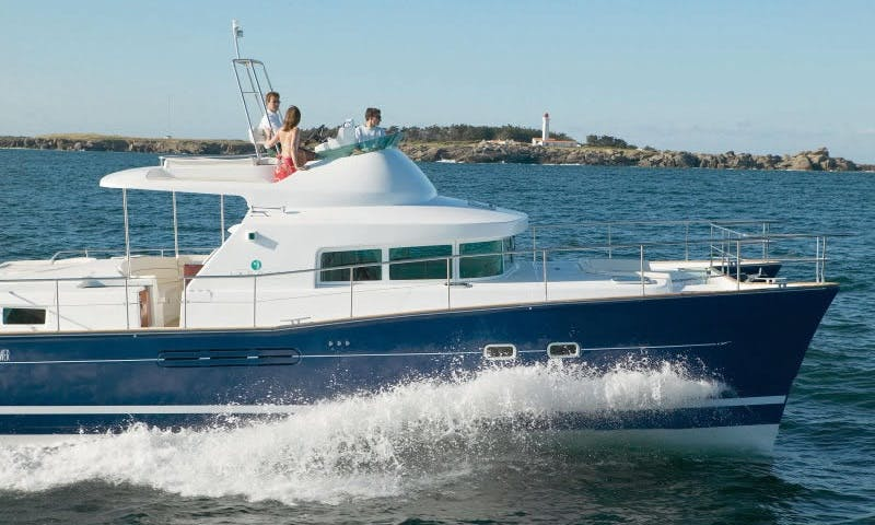 Charter Lagoon Power 43 For 10 people in Puerto Vallarta, Mexico