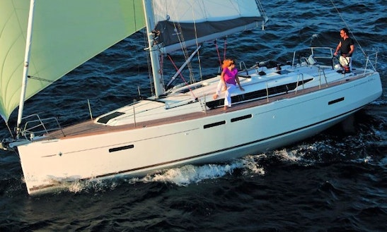 Explore Sukošan, Croatia On 41' Sun Odyssey - Jazz Cruising Monohull