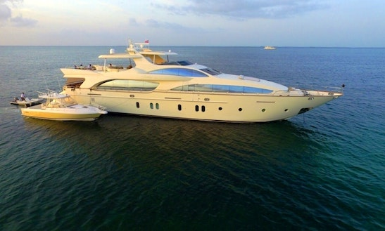 Power Mega Yacht Sleep Aboard Rental In Newport Beach