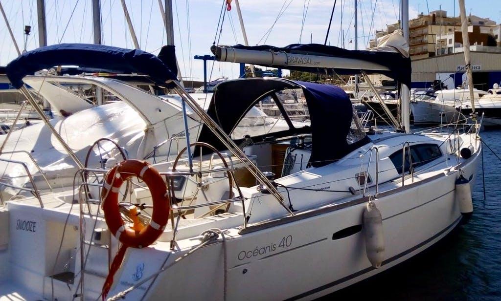 "40 ft ""Snooze"" Beneteau Oceanis Cruising Monohull Charter in Palamós, Catalunya"