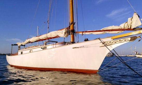Private Sailing Trips Aboard A 6 Person Sailing Sloop In Salem Harbor, Ma
