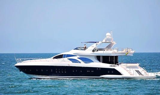 Luxury Azimut 98 Leonardo Yacht Charter in Puerto Vallarta, Mexico