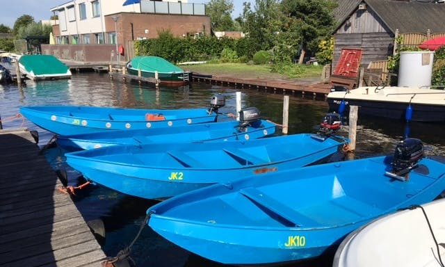 13ft Dinghy Rental for 3 People in Vinkeveen, Netherlands