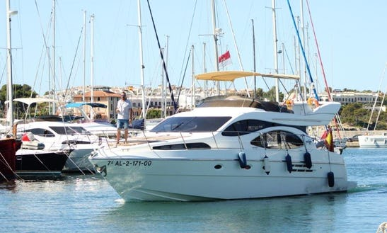 Hit The Water In Style! Book This Amazing Motor Yacht In Palma, Spain