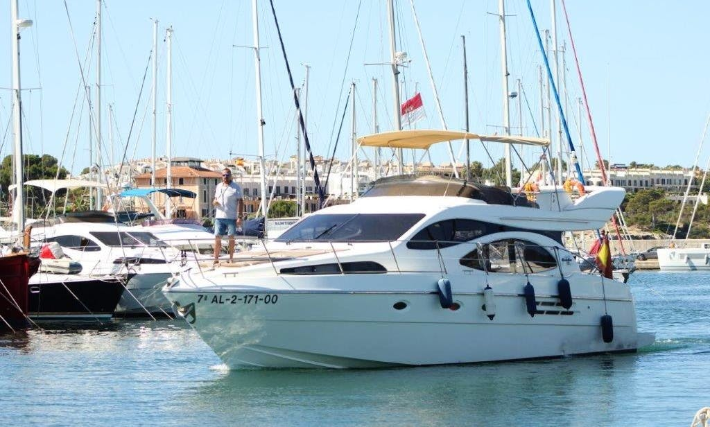 Hit the water in Style! Amazing AZIMUT 46  Motor Yacht in Palma, Spain
