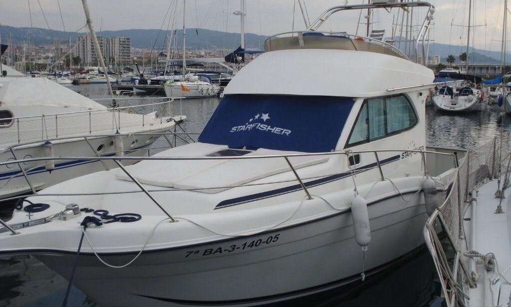 Motor Yacht for 8 People Available in Playa de Aro