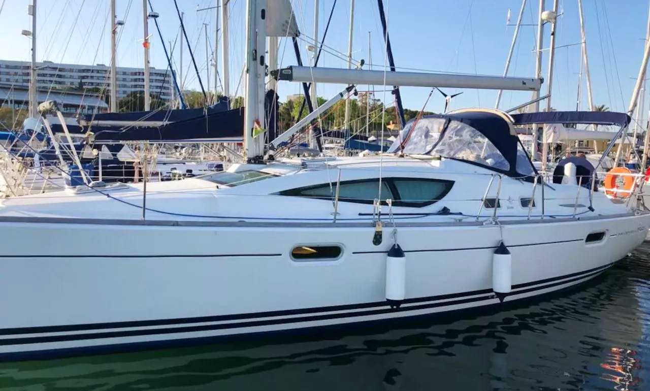 Charter Jeanneau Sun Odyssey 39' deck saloon yacht in Lisbon, Portugal