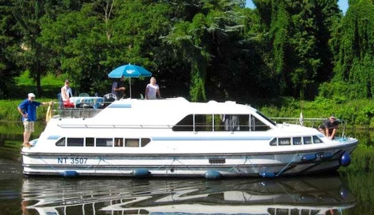 Awesome Arts And History Cruise In Charente, France Aboard 39' Canal Boat